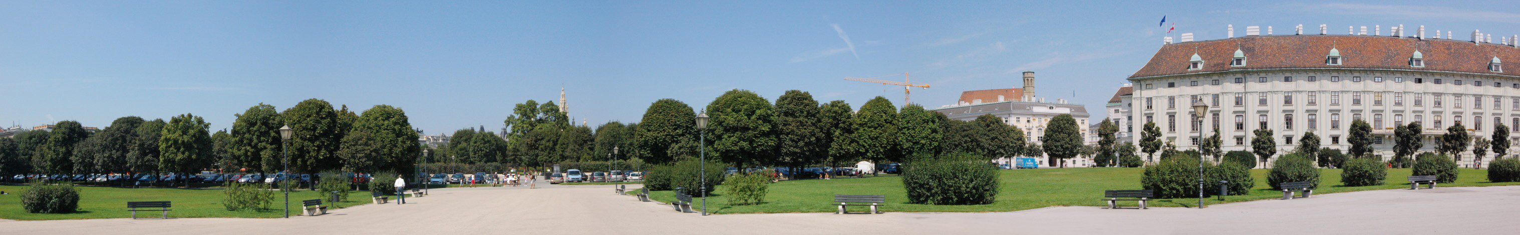Parte izquierda de la Heldenplatz