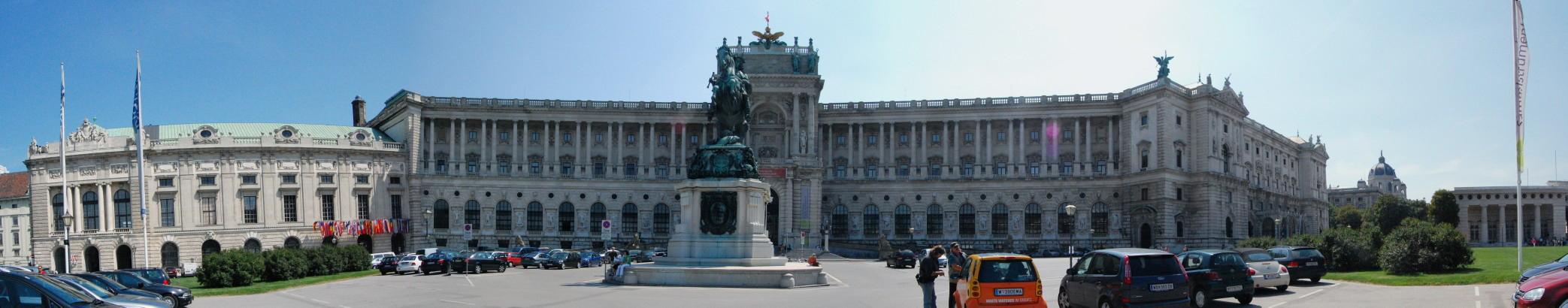 Parte derecha de la Heldenplatz