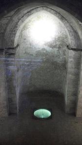 Interior de la Virgil Kapelle vista desde la estación de metro