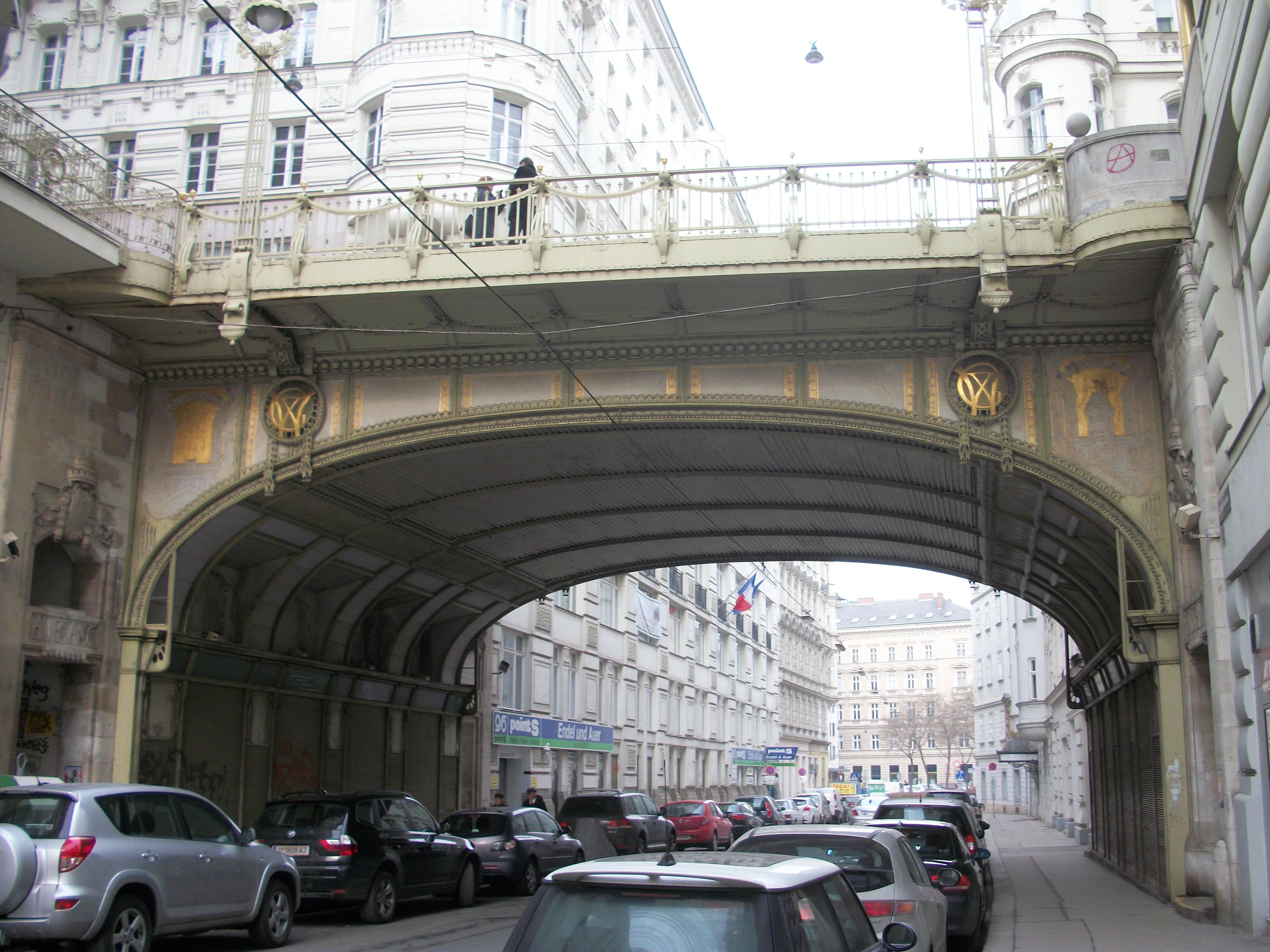 El puente visto desde el Tiefer Graben