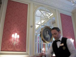 Interior de la cafetería del Hotel Sacher