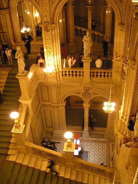 Interior de la Ópera Estatal de Viena