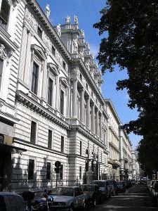 Palacio Erzherzog Wilhelm, construido por Theophil von Hansen
